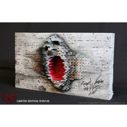 PINK FLOYD THE WALL ROGER WATERS ROCK ICONZ STATUE 1