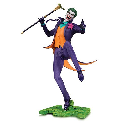 BATMAN THE JOKER DC CORE PVC STATUE 1