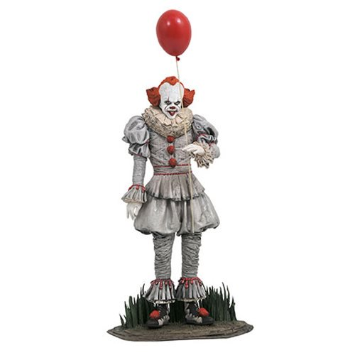 IT GALLERY PENNYWISE STATUE 1