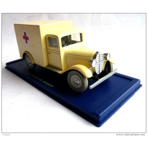 TINTIN ASYLUM AMBULANCE CIGARS OF THE PHARAOH BLUE BOX DIECAST 1/43 SCALE VEHICLE 1