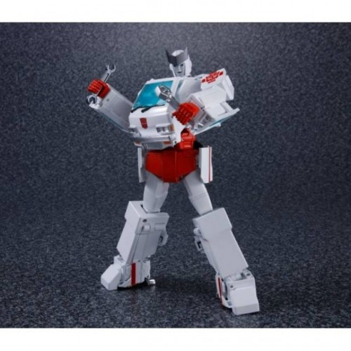 FIGURINE TRANSFORMERS MP-30 MASTERPIECE RATCHET 1