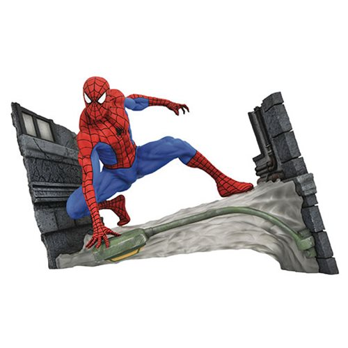 MARVEL COMIC GALLERY SPIDER-MAN STATUE 1